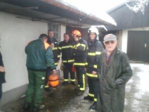 Posredovanje gasilcev ob žledu
